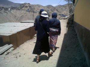 fotografía de las hermanas del sector femenino de la Unión Lumen Dei durante una jornada misionera